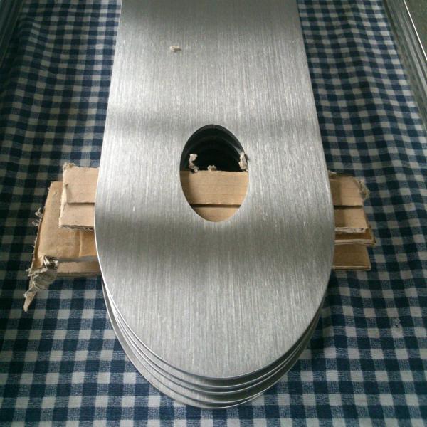 Rozsdamentes lemez szálcsiszolása